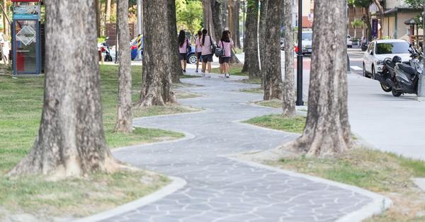 台中西區|美術園道行人步道|紆迴曲折的S彎道|回家的路程變遠了