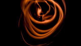 Albanés: zjarr - Alemán: feuer - Algonquin: ishkode -  Árabe: لنار- Armenio: հրդեհ - Aymara: nina - Azerbaijani: yanğın  Bielorruso: пажар (pažar) - Búlgaro: пожар (pozhar) - Catalán: foc - Charrúa: it sepé - Checo: požár - Cherokee: atsi:la - Chino: 火 (Huǒ) - Chorote: e:tye - Chulupí: itax - Cocama: tata - Coreano: 화재 (hwajae) - Cree: iskotew - Criollo haitiano: dife - Croata: požar - Danés: brand - Diné: ko´ -  Eslovaco: požiar - Esloveno: požar - Estonio: tulekahju - Euskera: sua - Finlandés: palo  Francés: feu - Galés: tān - Gallego: lume - Georgiano: ცეცხლი (ts'ets'khli) - Griego: πυρκαγιάς (pyrkagiás) - Guaraní: tata - hebreo: אש- Hindi: आग (Āga) - Holandés: brand - Holandés: vuur - Húngaro: tűz - Indonesio: api - Inglés: fire - Irlandés: dóiteáin - Islandés: eldur - Italiano: fuoco Japonés: 火 (hi) - Kunza: kcelar - Lakota: peta - Latín: ignis - Letón: uguns - Lituano: gaisras - Macedonio: пожар (požar) - Maká: fet - Malayo: api - Maltés: nar - Mapudungun: kütral - Maya: k´áak´ - Mocoví: norek  Nahuatl: tletl - Noruego: brann - Ojibway: ishkode - Ona: kren - Onondaga: odékha - Persa: آتش- Pilagá: dole - Polaco: ogień - Portugués: fogo - Qom: norek - Quechua: nina - Rapa nui: ahi - Rumano: incendiu - Ruso: пожар (pozhar) - Sánscrito: agni - Serbio: ватра (vatra) - Shipibo conibo: chíi - Suajili: moto - Sueco: brand - Tagalo: apoy - Tailandés: ไฟไหม้ (Fị h̄ịm̂) - Tehuelche: sheven - Tlingit: x´aan - Turco: yangın - Ucraniano: пожежа (pozhezha) - Urdu: آگ - Vietnamita: cháy - Wayuu: octorojoshi - Wichí: itax - Yiddish: פייַער