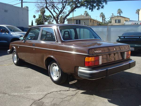 Just A Car Geek: ANOTHER Low Mileage Volvo 240!