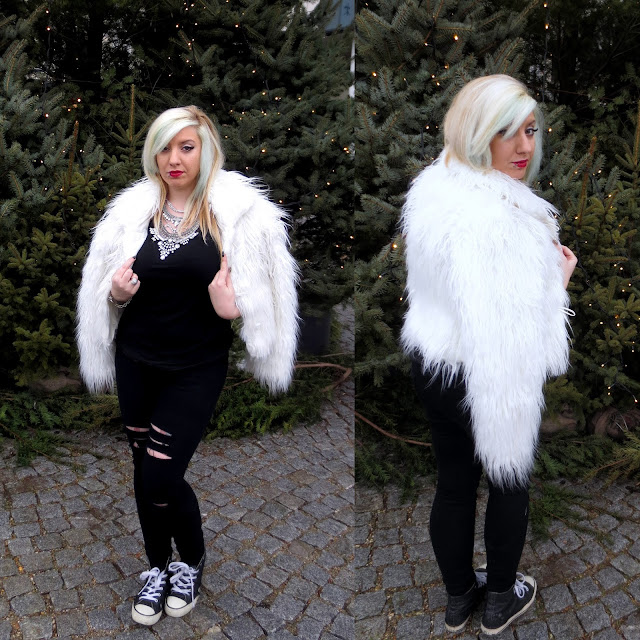 ripped jeans fur coat statement necklace christmas