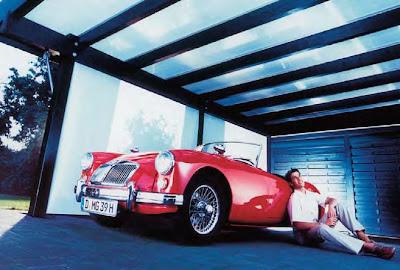 Polycarbonate đặc ruột làm vách ngăn và mái lấy sáng cho nhà để xe