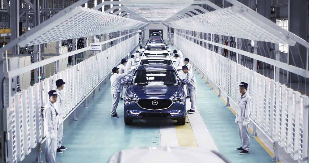 Các mẫu Mazda CX-5 trên dây chuyền trong nhà máy Thaco tại Chu Lai