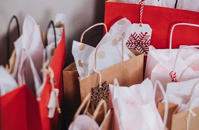 shopping bags holiday