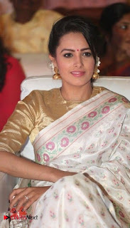 Anita Hanandani Pictures in Saree at Mo Okkadu Audio Launch ~ Celebs Next