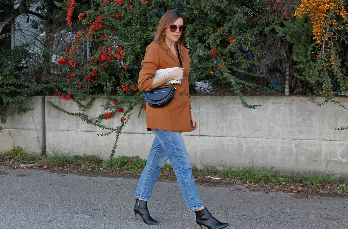 brown blazer autumn 2020 street style