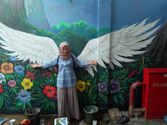 Sayap Malaikat di Gang Kelurahan Klender