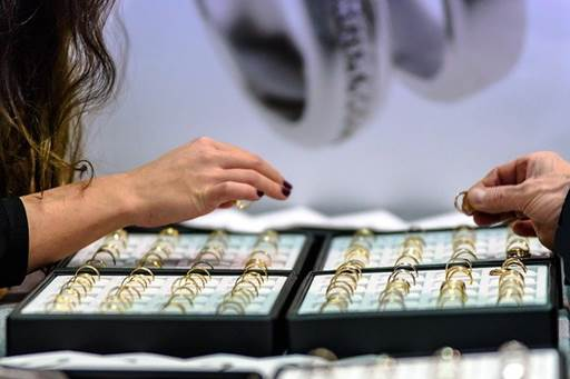 Cara Membeli Emas Perhiasan yang Aman