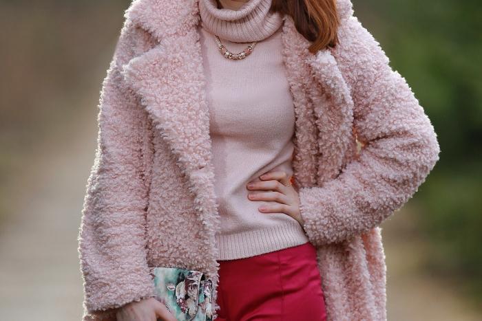 módní blogerka, praha, lucie srbová, cosmopolitan, růžové oblečení