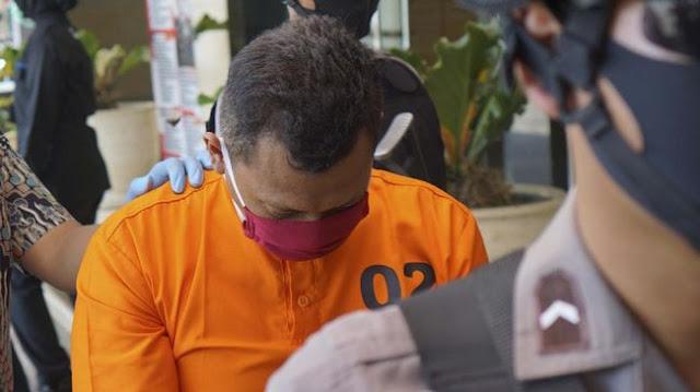 Relawan Corona Jatim Tendang Pelanggar Jam Malam hingga Tewas