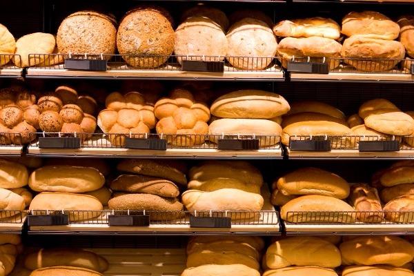 Αύριο προμηθευόμαστε ψωμί για 3 ημέρες λόγω Αγίου Αχιλλίου