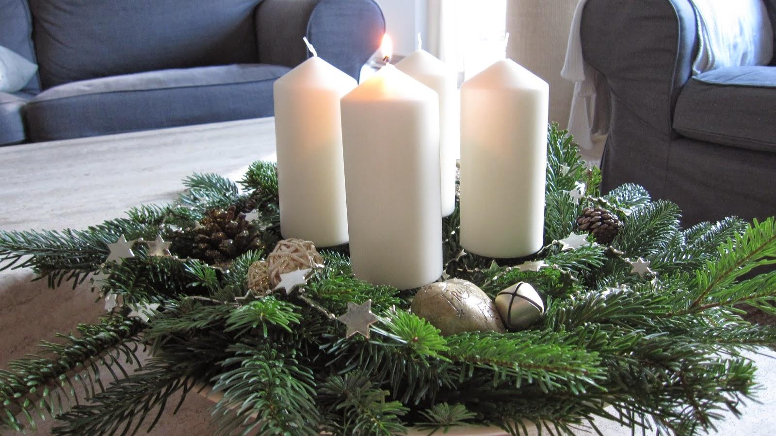 kleines gelbes haus 1 advent. Black Bedroom Furniture Sets. Home Design Ideas