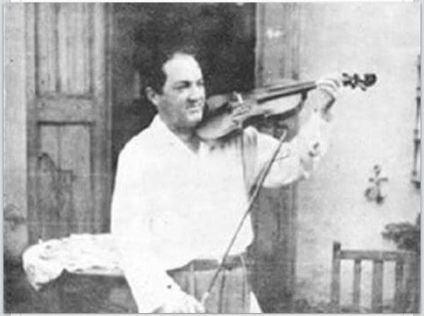 Yoryi Morel con su violin