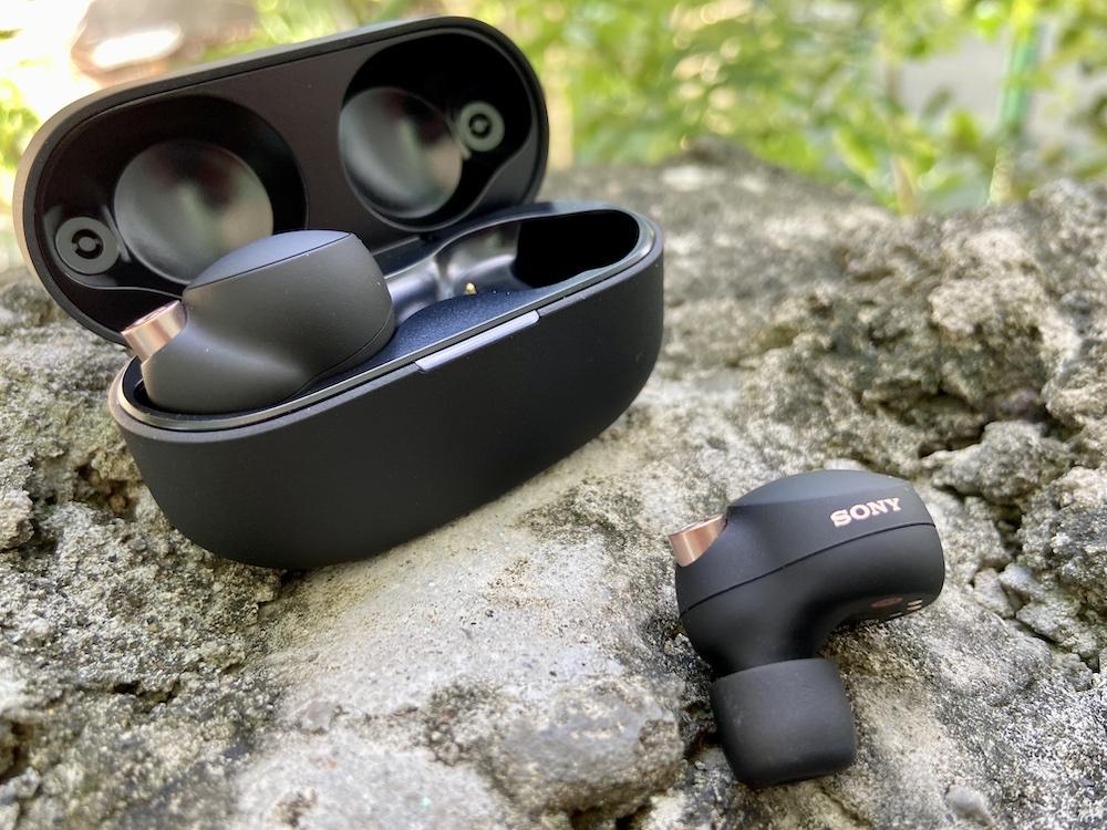 Sony WF-1000XM4 Inside the Case