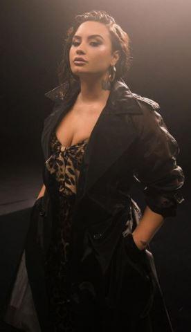 Demi Lovato Age, Height, Weight, Net Worth, Wiki, Family, Husband, Bio