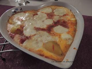 http://recettes.de/oeufs-gratines-a-la-sauce-tomates-et-pommes-de-terre