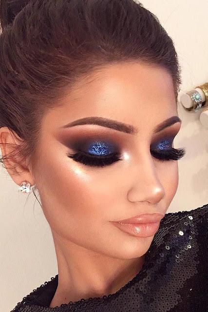 maquillaje de ojos sombra azul