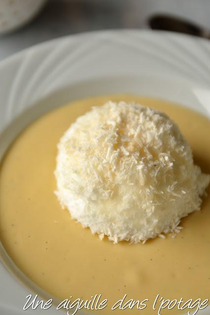 Îles flottantes coco, crème anglaise mangue-passion