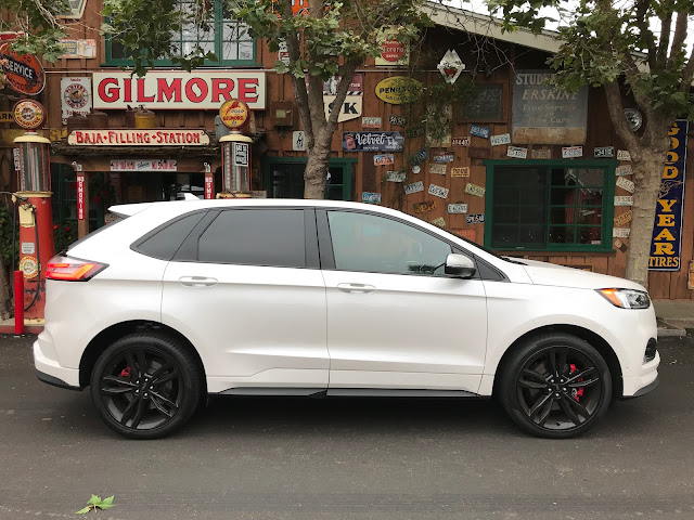 Side view of 2019 Ford Edge ST