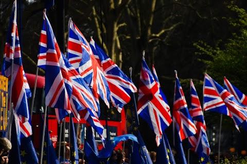 Az Egyesült Királyság nem tud október végén kilépni az EU-ból