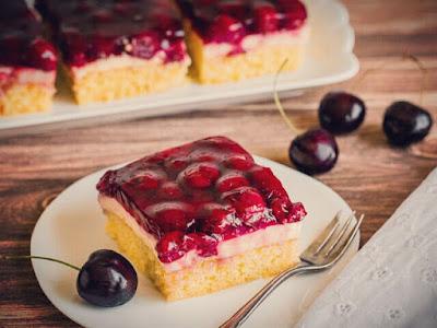 Cherry and sour cream baking cake