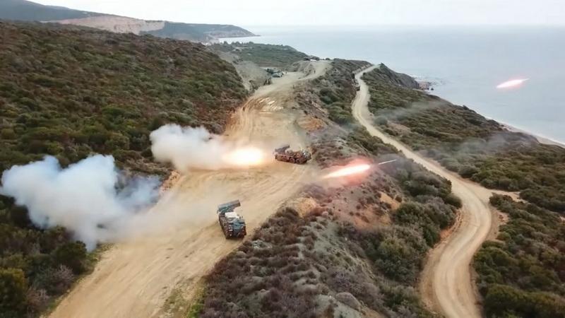 Βολές πυροβολικού στη θαλάσσια περιοχή της παραλίας Πετρωτών
