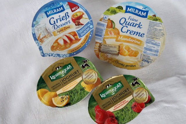 Unboxing brandnooz Cool Box Oktober 2016 - leckere Desserts (Milram Grieß Dessert & Quark Creme, Kerrygold Joghurt)