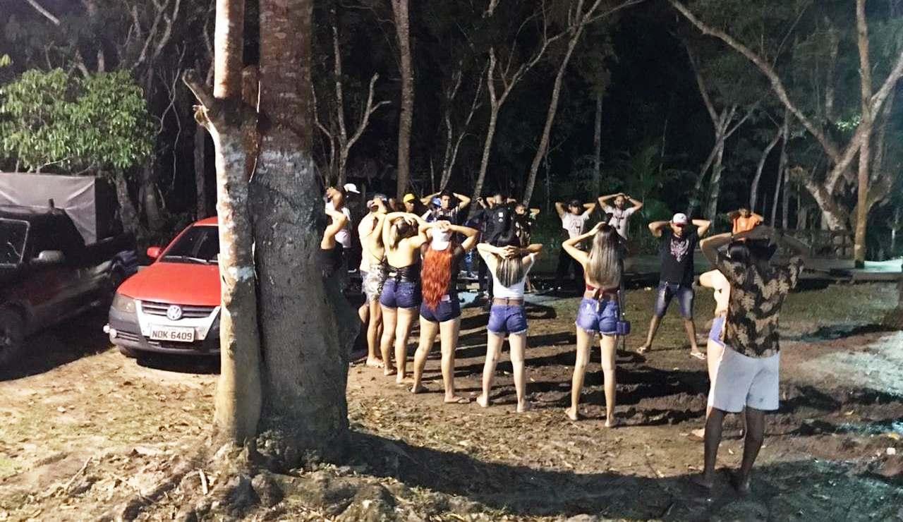 Vigilância Sanitária encerra duas festas clandestinas em Santarém; fotos