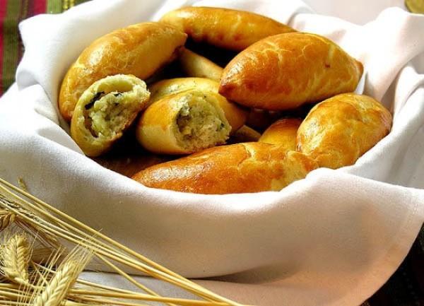 Pirozhki – Món bánh thập cẩm truyền thống của người Nga