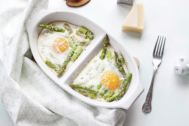 jajka ze szparagami zapiekane