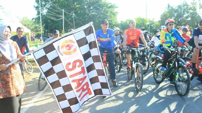 Ratusan Peserta Ikuti Sepeda Santai HKN ke-55 di Sinjai
