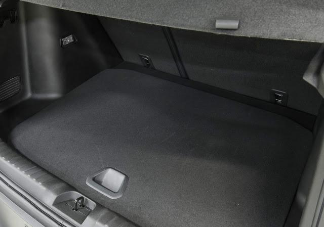 Novo CHevrolet Tracker 2021 - porta-malas de 400 Litros