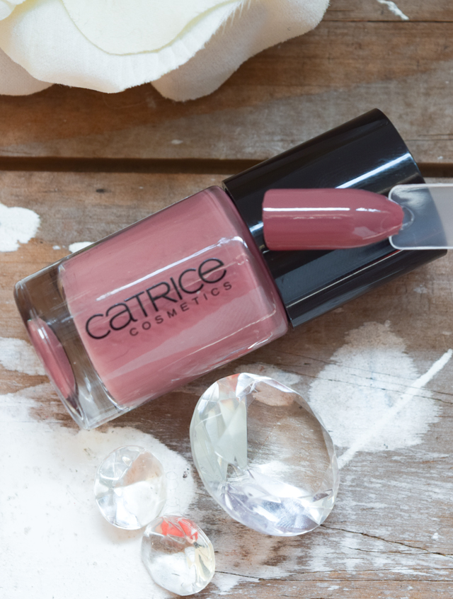 Catrice Nagellack 103 Think in dusky pink swatch