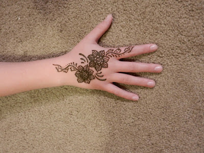 New And Beautiful Mehndi Designs For Children