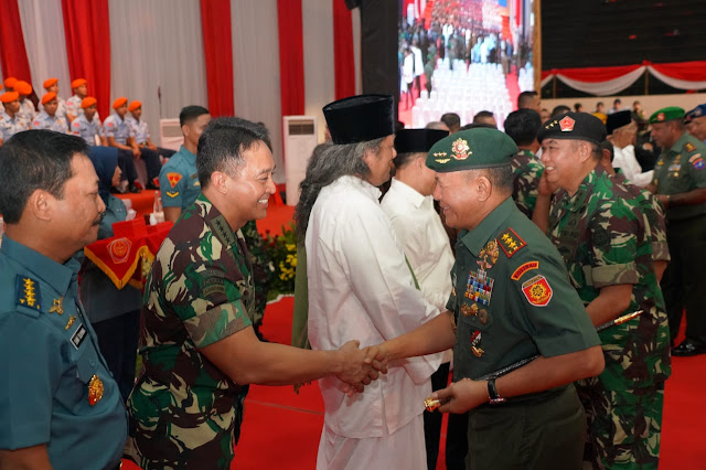 Pangkostrad Hadiri Halal Bihalal Bersama Prajurit dan Purnawirawan TNI