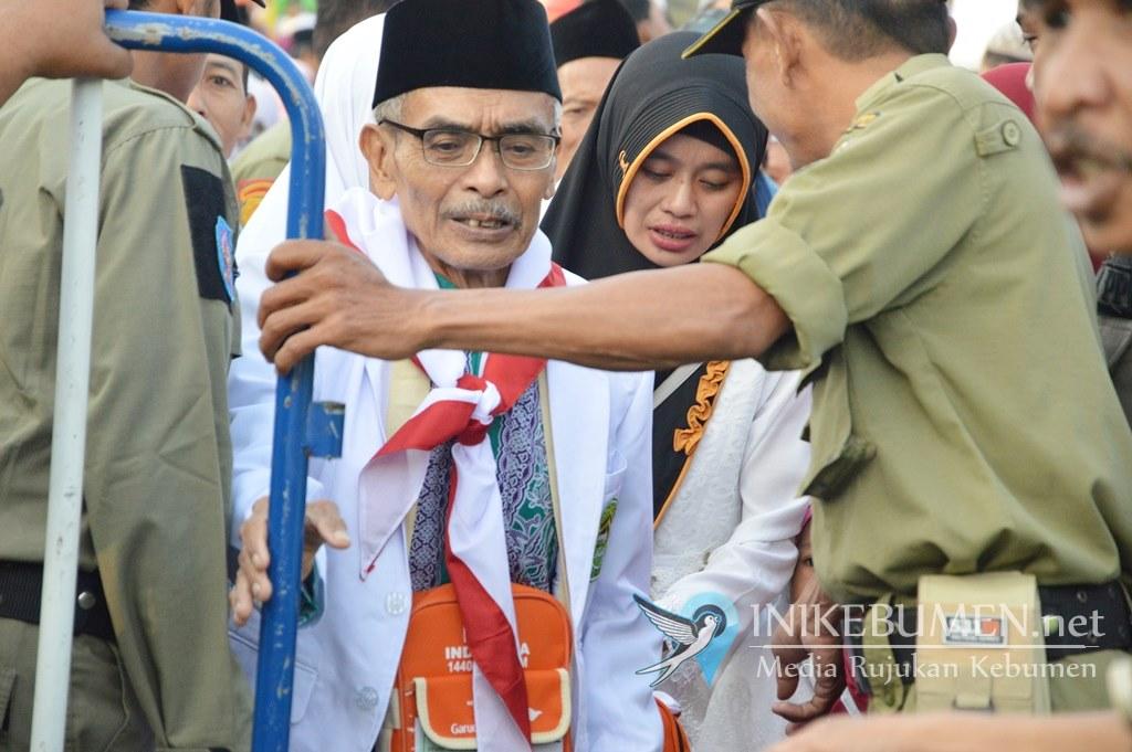 Malam ini, 72 Calon Haji Asal Kebumen Kloter Sapu Jagad Diberangkatkan