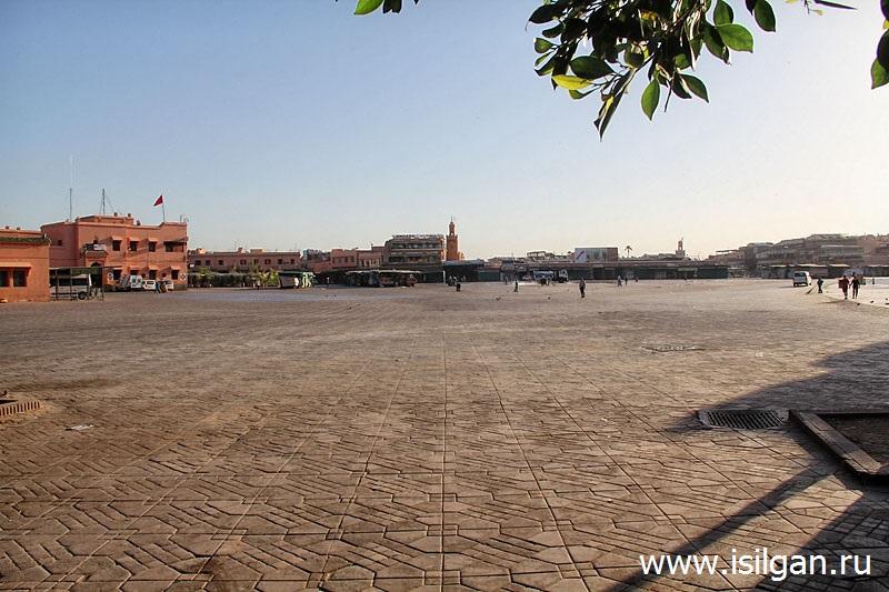 площадь   Джема-эль-Фна. Марракеш