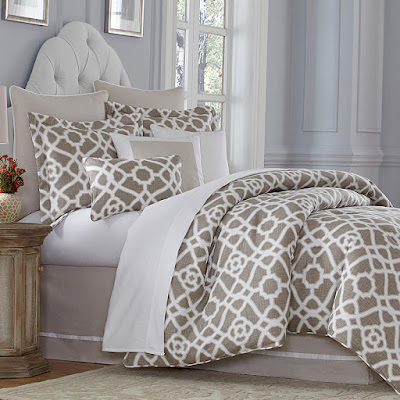 Michael Amini Harper Bedding Set