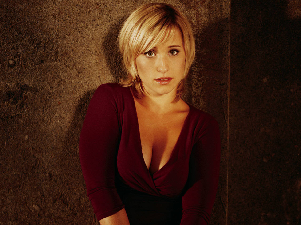 Hot Allison Mack nude photos 2019