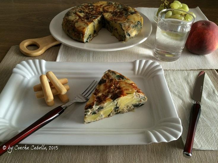 tortilla-berenjenas-jamón-mesa