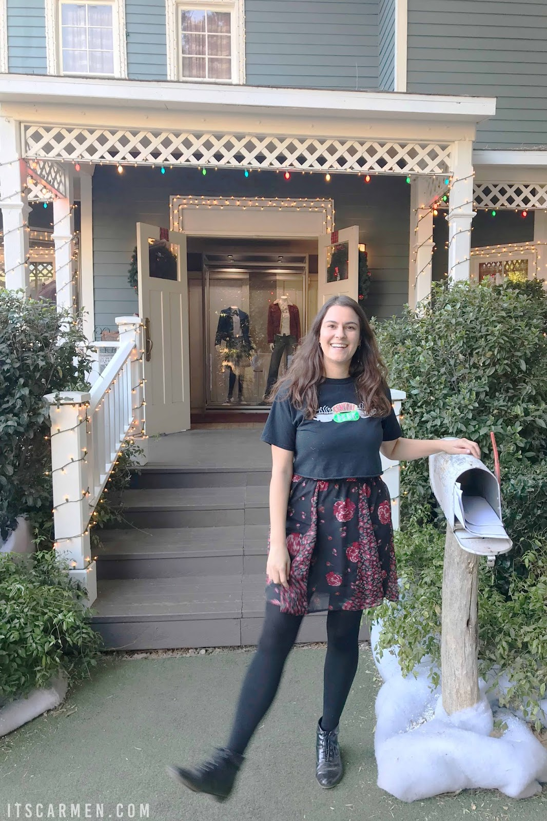 Warner Bros Hollywood Tour Lorelai Gilmore and Rory's house in Stars Hollow