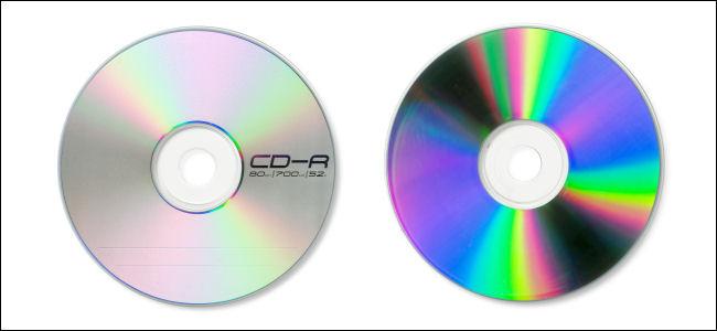 الجزء الأمامي والخلفي لقرص CD-R.