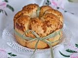 Pan de Ajo y Parmesano con Forma de Anillo