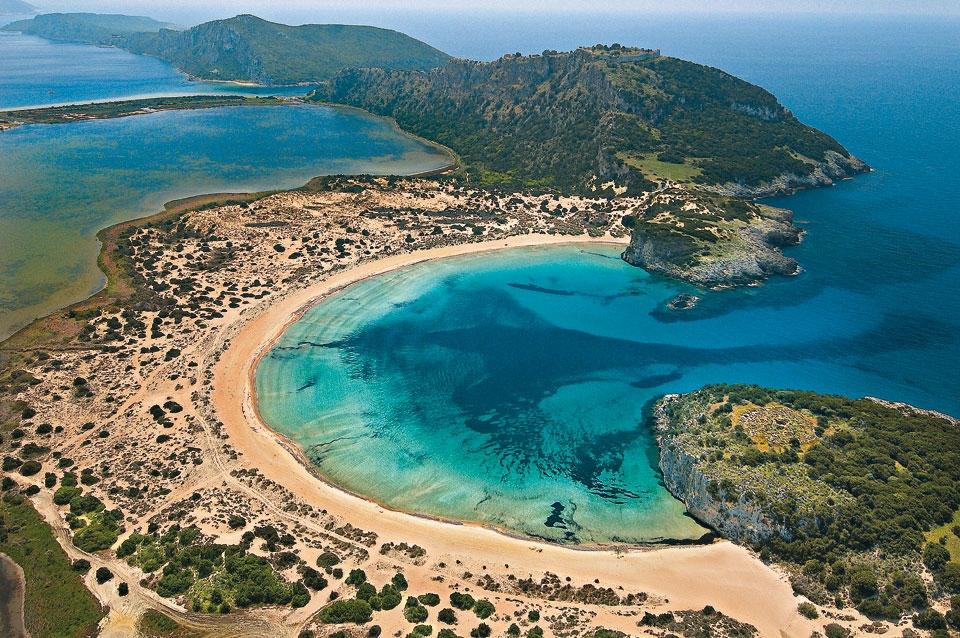 Пляж Войдокилья в Коста-Наварино в Греции