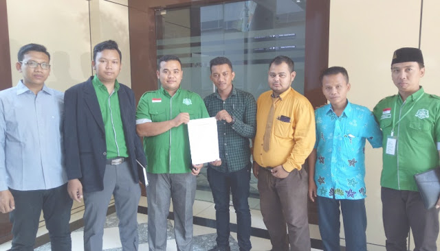 LBH Ansor Surabaya dan Pemilik Asli Foto Laporkan Akun Hendro Purnomo Penghina Gus Mus