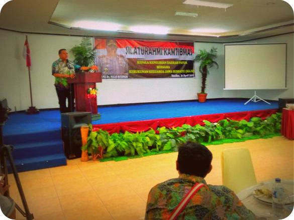 Paulus Waterpauw Silahturahmi dengan KKJB Timika