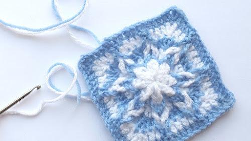 Crochet Granny Square - Outside-in