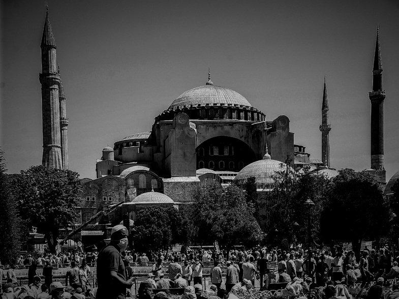 Τουρκία: Λάδι με το ποτήρι, πελτέ με την κουταλιά [ΒΙΝΤΕΟ]