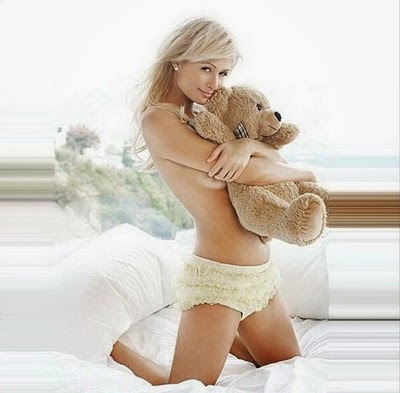 Foto Foto Paris Hilton Toples di Instagram 2