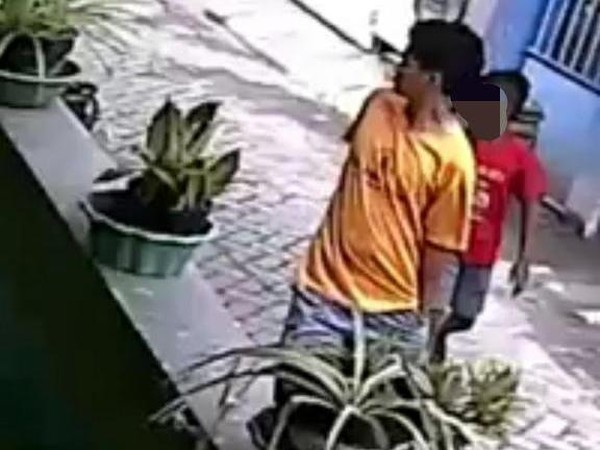 Pencurian Motor di Surabaya Terekam CCTV, Tampak Anak Kecil dalam Rekaman