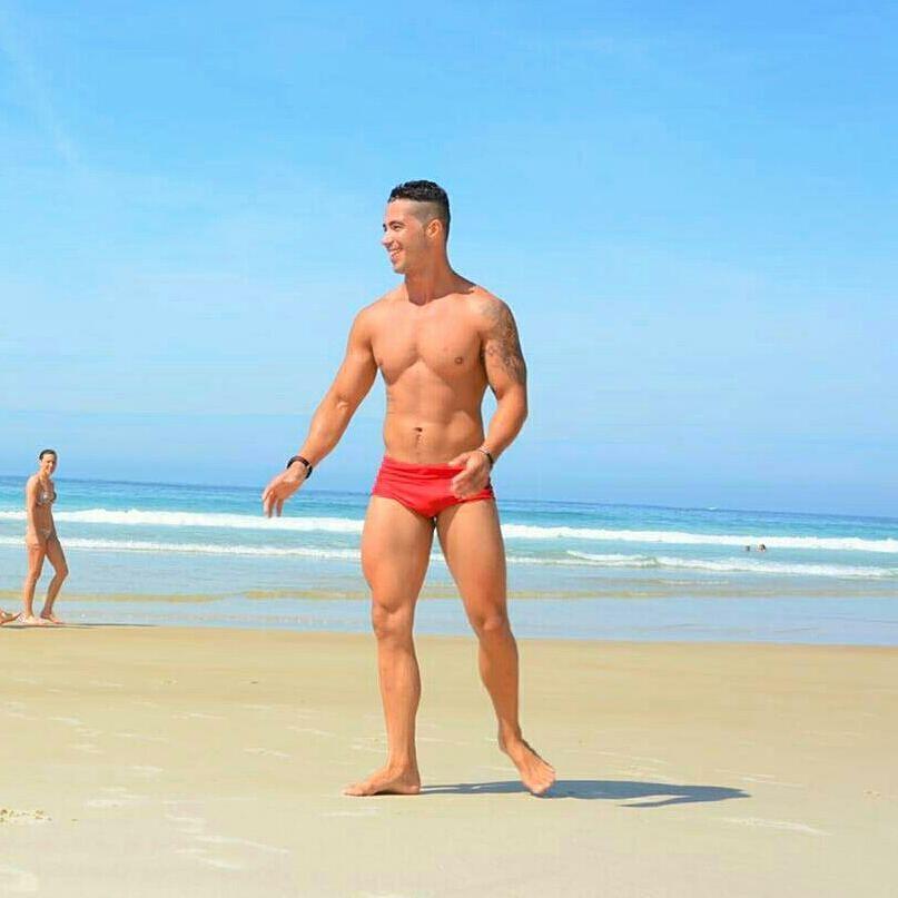 Wallace Machado mostra o corpo sarado na praia de Lopes Mendes, em Ilha Grande. Foto: Arquivo pessoal